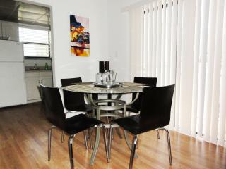 Dining room (up to 6 seats)
