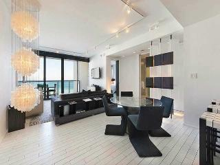 W Hotel 1 bedroom sleeps 8, Miami Beach