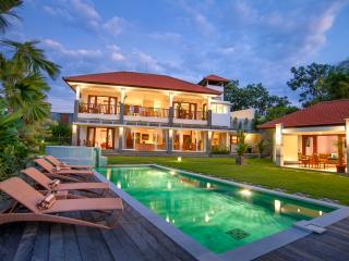 Villa Yenian - Luxury and Tranquility, Canggu