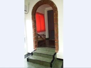 FULLY FURNISHED 1 AC BEDROOM APARTMENT IN DEHIWALA