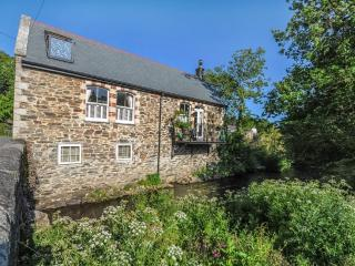 Stunning Riverside Detached House Nr Truro, Ladock