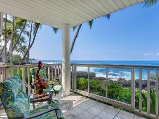 Hale  Kai O Kona #7 Ocean Front, Sandy Beach only a Few Yards Away!, Kailua-Kona