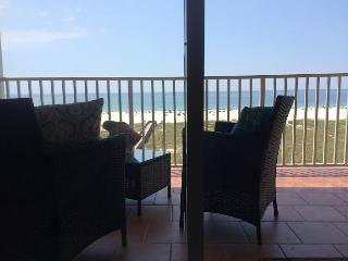 ON HGTV – ROMANTIC GETAWAY – 3RD fl - DIRECTLY ON THE GULF of MEXICO!