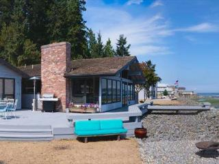 Lovely Bells Beach beachfront home with deck, 3, bed, 3 bath. (238), Langley