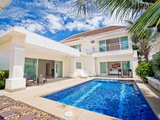 Tropicana Pool Villa 1, Pattaya