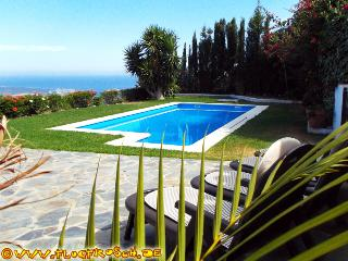 FINCA EL ESCONDITE * THE HIDEAWAY * HEATED POOL, Salobrena