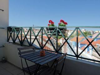 Lisbon house triplex, patio and garage