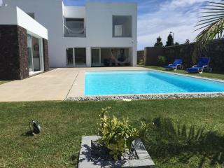 Villa Loureiro # Family   Friends   Fun