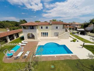VILLA HEDONE - fam Preden, Heated private pool
