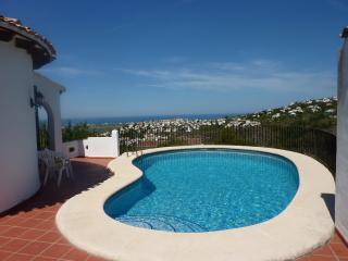 Private Villa Sleeps 12 - Sea and Mountain Views, Denia