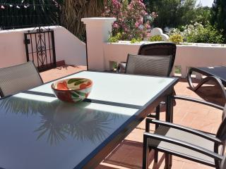 Casa 32 Nerja Garden Apartment Oasis de Capistrano