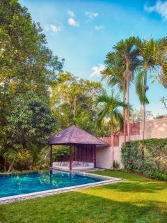 Riverside Pool & Bale Villa Tukad Pangi Canggu Bali