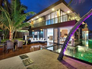 Villa U: 5* Beach-front  Villa with Infinity Pool, Lipa Noi