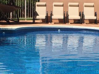 Villa de lujo con piscina privada, cerca de la playa, Marbella