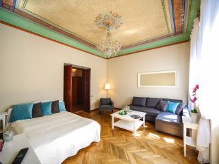 S15 Stylish & Elegant Apartment, Krakow