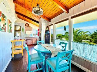 Stay and Play -Cute Beach Cottage-With AC,Ocean View, Walk to the Beach!