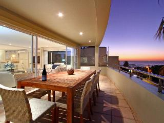 Family-friendly home  on the slopes of Camps Bay