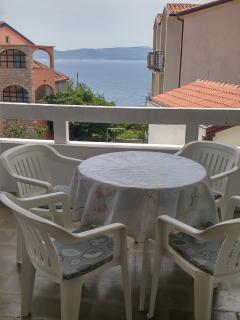Spacious studio with big terrace, Brela