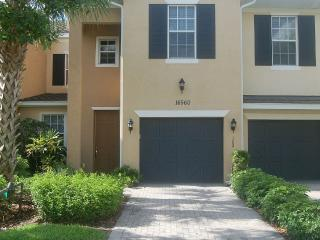 Luxury Coach Home with unlimited Golfing package, Fort Myers
