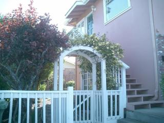 Ocean View Hideaway. Delightful, Private and Cozy., Monterey Park