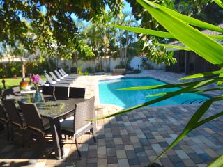 New Updated Luxury Waterfront Htd Pool Beach Home!, Fort Lauderdale