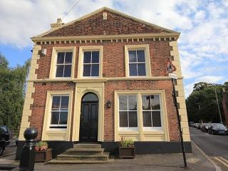3 storey grade 2 listed house in Beatles heartland