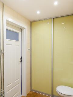 Large, comfortable bathroom
