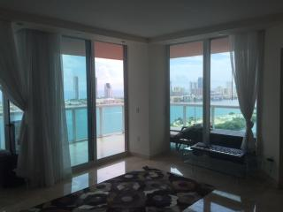 Best Miami Ocean view luxury apartment, Aventura