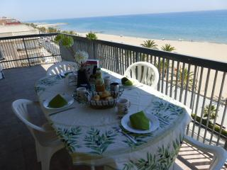 Amazing sea front flat 6, Calafell
