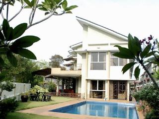 5 bedroom spacious corner house with private pool, Shah Alam