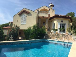 Villa Santa Cristina - 13p, 900m.beach, piscina, wifi, Blanes