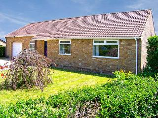 RADOVAS, detached, all ground floor, WiFi, off road parking, garden, in Martock,