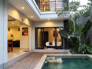 3 Bedroom Villa North of Seminyak - Bali Radiance, Kerobokan