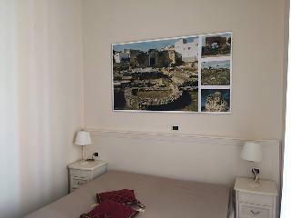 Camera S.Giovanni bagno privato,aria condizionata,Smart TV,3D,Satellitare,Wfi,elegantemente arredata