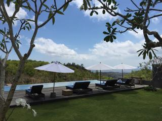 5 bd Uluwatu ocean view, infinty pool,kid friendly