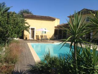 Holiday Villa with pool in GRIMAUD VAR. Free WIFI