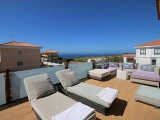 Sea Views, Pool & Golf, Cozy Villa, Maspalomas