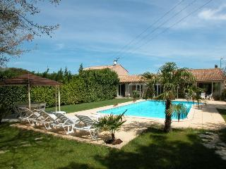 17262 Private villa with large pool near Aix