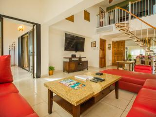 4 bedroom Sunset Penthouse - steps to the beach -, Cabo San Lucas