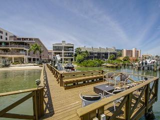 Direct Intracoastal 2 Bedroom, 2 Bath Condo., Indian Shores