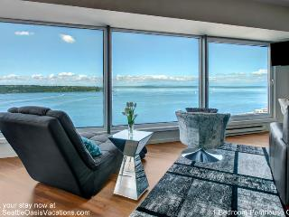 1 Bedroom Penthouse Water and City View, Seattle