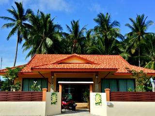 Leelawadee House, Lipa Noi