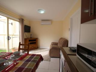 Garden Cottage Relocations/ holidays /family visit, Port Noarlunga