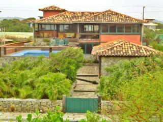 Buzios-Linda Casa em condominio frente mar, Búzios