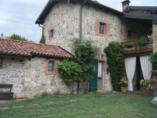 In Veccho Casale con piscina Lago Maggiore, Veruno