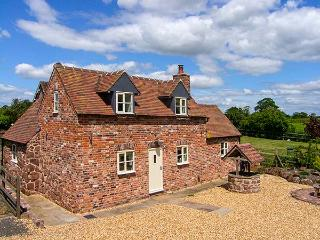 STRINE VIEW COTTAGE, mostly ground floor, woodburner, pet-friendly, in Crudgington near Shrewsbury, Ref. 23979