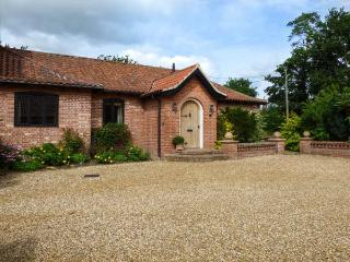 NUMBER ONE RICHMOND CHURCH BARNS, pets welcome, en-suite, in Saham Toney, Ref. 9