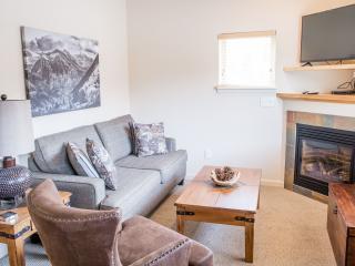 An upper level Longs Peak living room