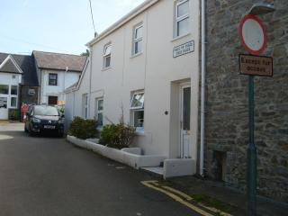 1 field place, New Quay