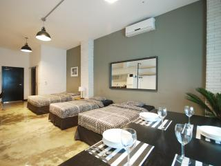 Spacious Family Suite for 4ppl, full kitchen, spacious / Jongno / SNUH / SKKU